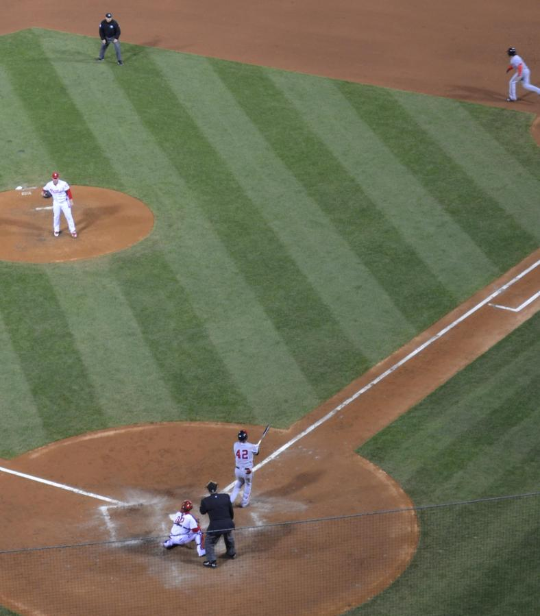 Phila-Harper home run cropped